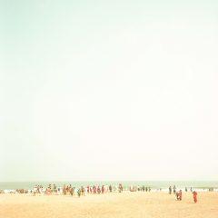people at the beach, India, fine art photograph, seascape, travel photography, fotografo, film photography, raffaele ferrari photography